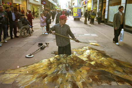 gold-digging-sidewalk-art